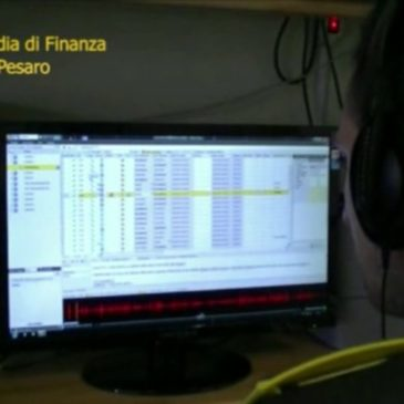 PESARO: ARRESTATO FALSO PROMOTORE FINANZIARIO