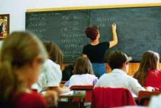 NELLE MARCHE PRIMA CAMPANELLA PER 202.422 STUDENTI